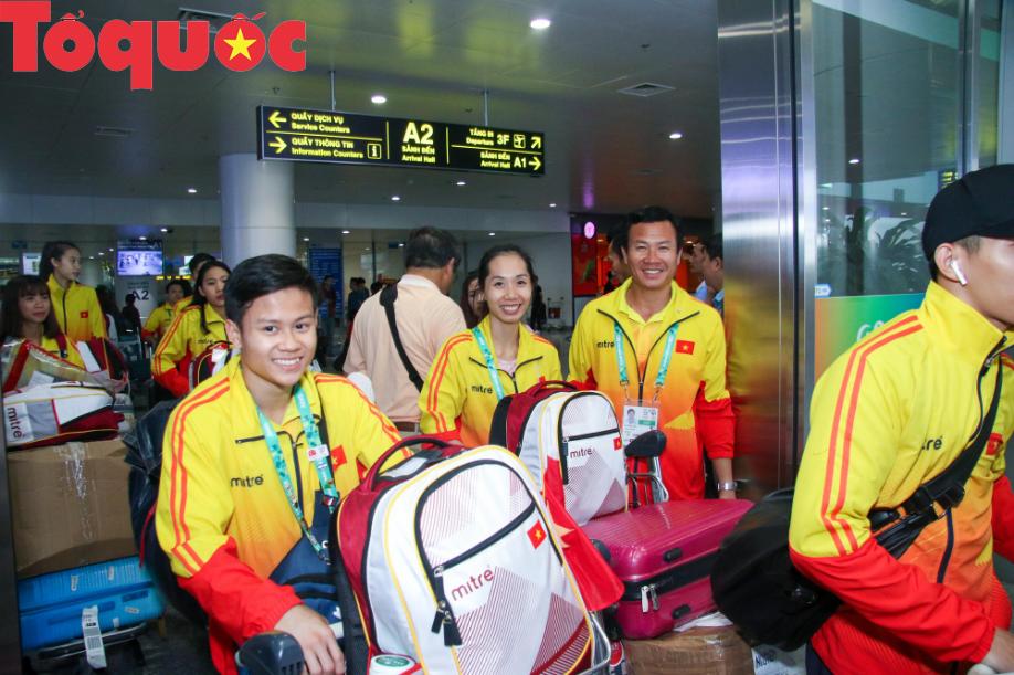 Đoàn thể thao Olympic trẻ Việt Nam về nước sau kỳ Đại hội thành công vượt ngoài kỳ vọng - Ảnh 6.