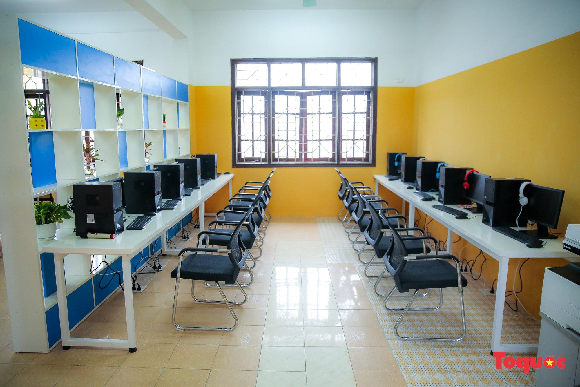 Tham quan phòng học tiếng Anh đa năng đầu tiên của Thái Nguyên - Ảnh 2.