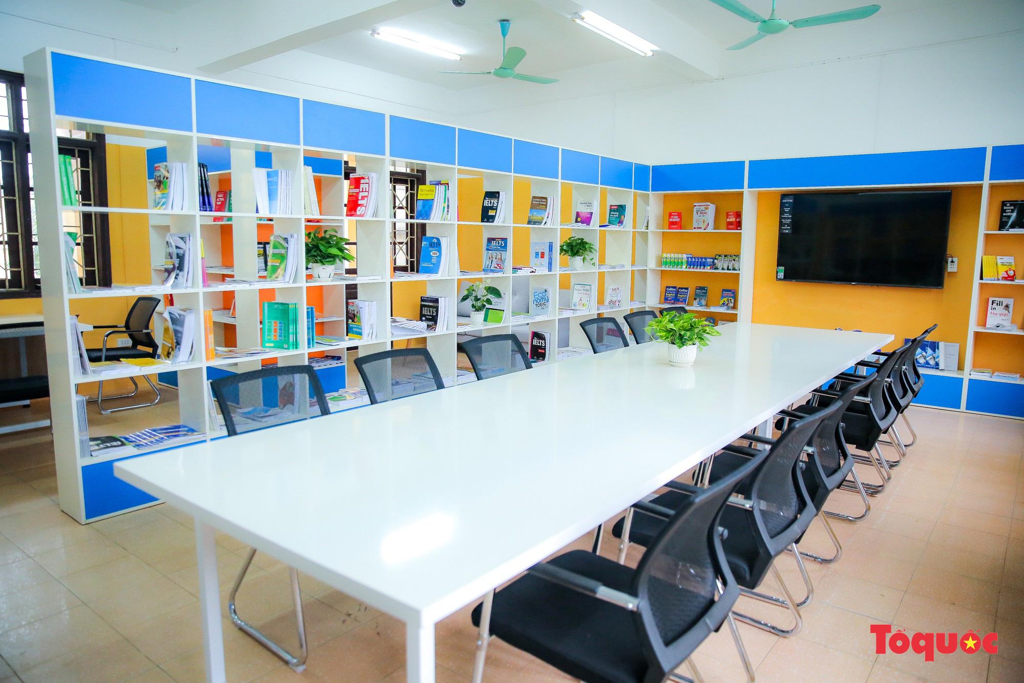 Tham quan phòng học tiếng Anh đa năng đầu tiên của Thái Nguyên - Ảnh 4.