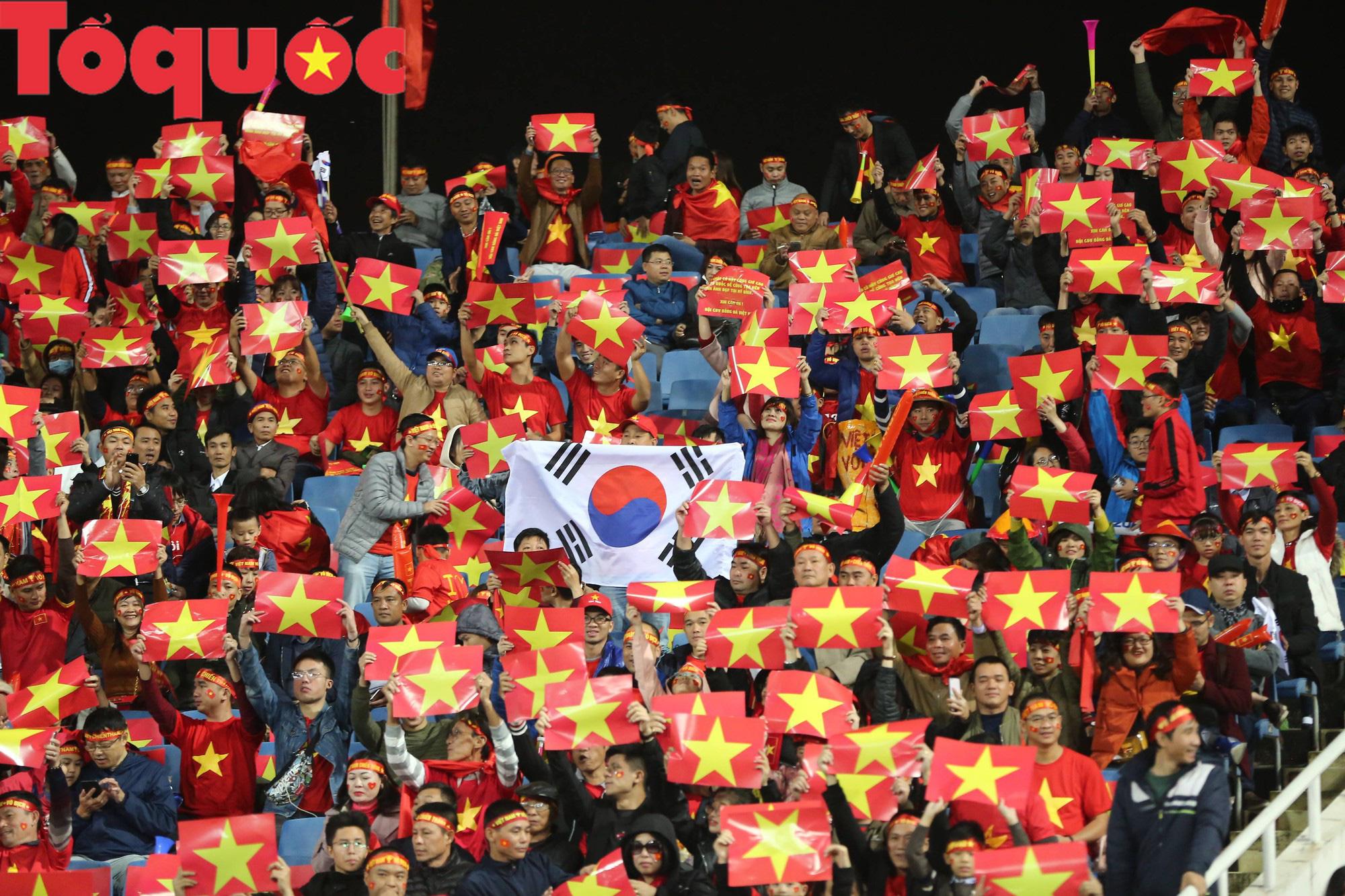 Ông Park ơi, trong lòng người hâm mộ Việt Nam không chỉ dành tình yêu cho riêng ông mà còn cả xứ sở Kim chi nữa đấy - Ảnh 2.