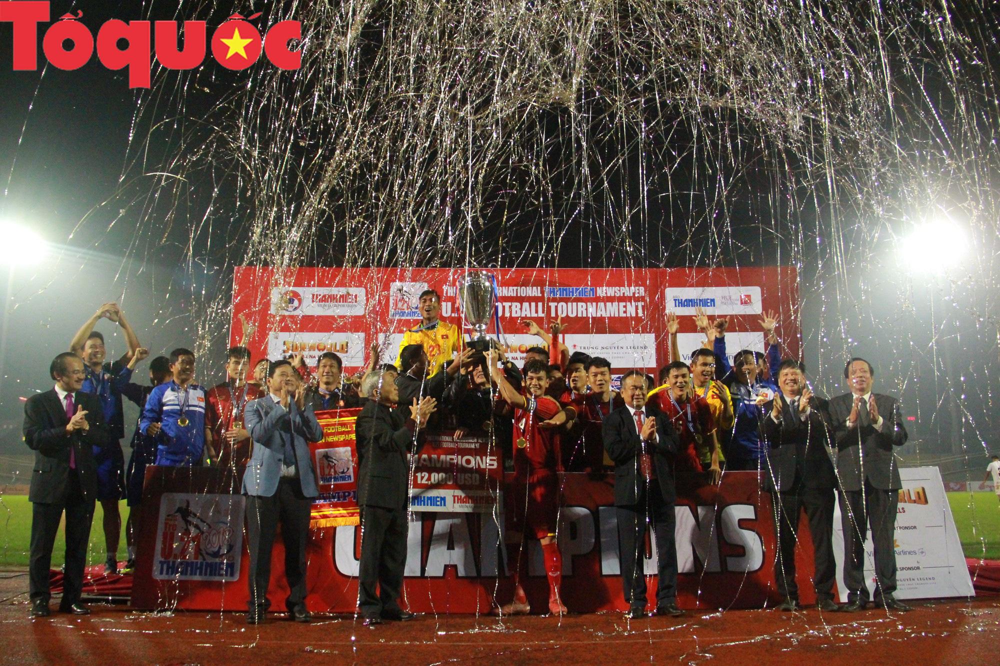 Bộ trưởng Nguyễn Ngọc Thiện dự khán trận chung kết U21 quốc tế - Ảnh 13.