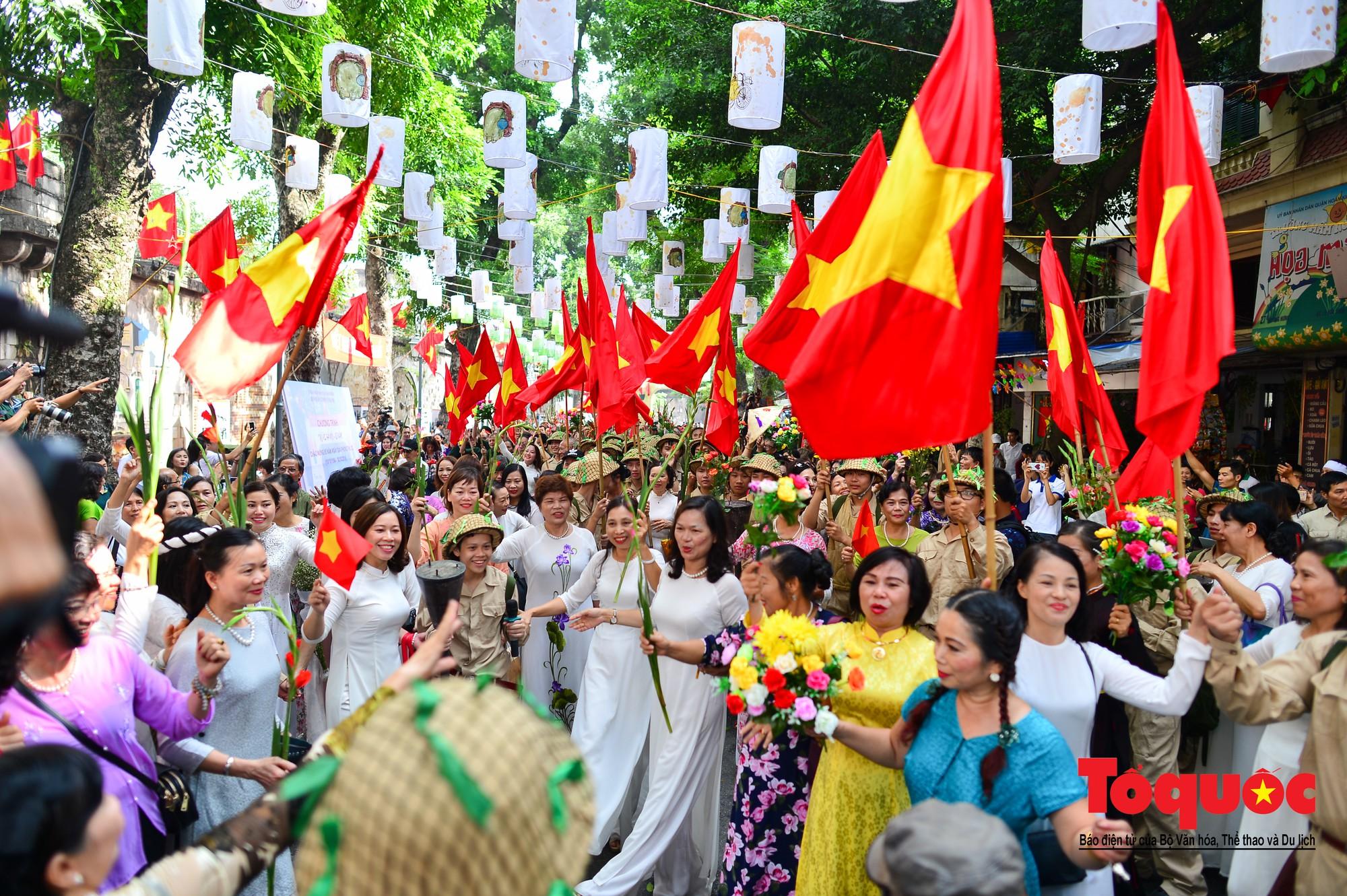 Tái hiện ký ức hào hùng đoàn quân chiến thắng trở về tiếp quản thủ đô Hà Nội 65 năm trước 11