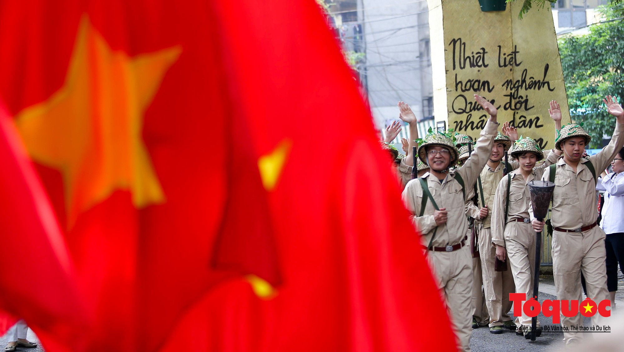 Tái hiện ký ức hào hùng đoàn quân chiến thắng trở về tiếp quản thủ đô Hà Nội 65 năm trước 2