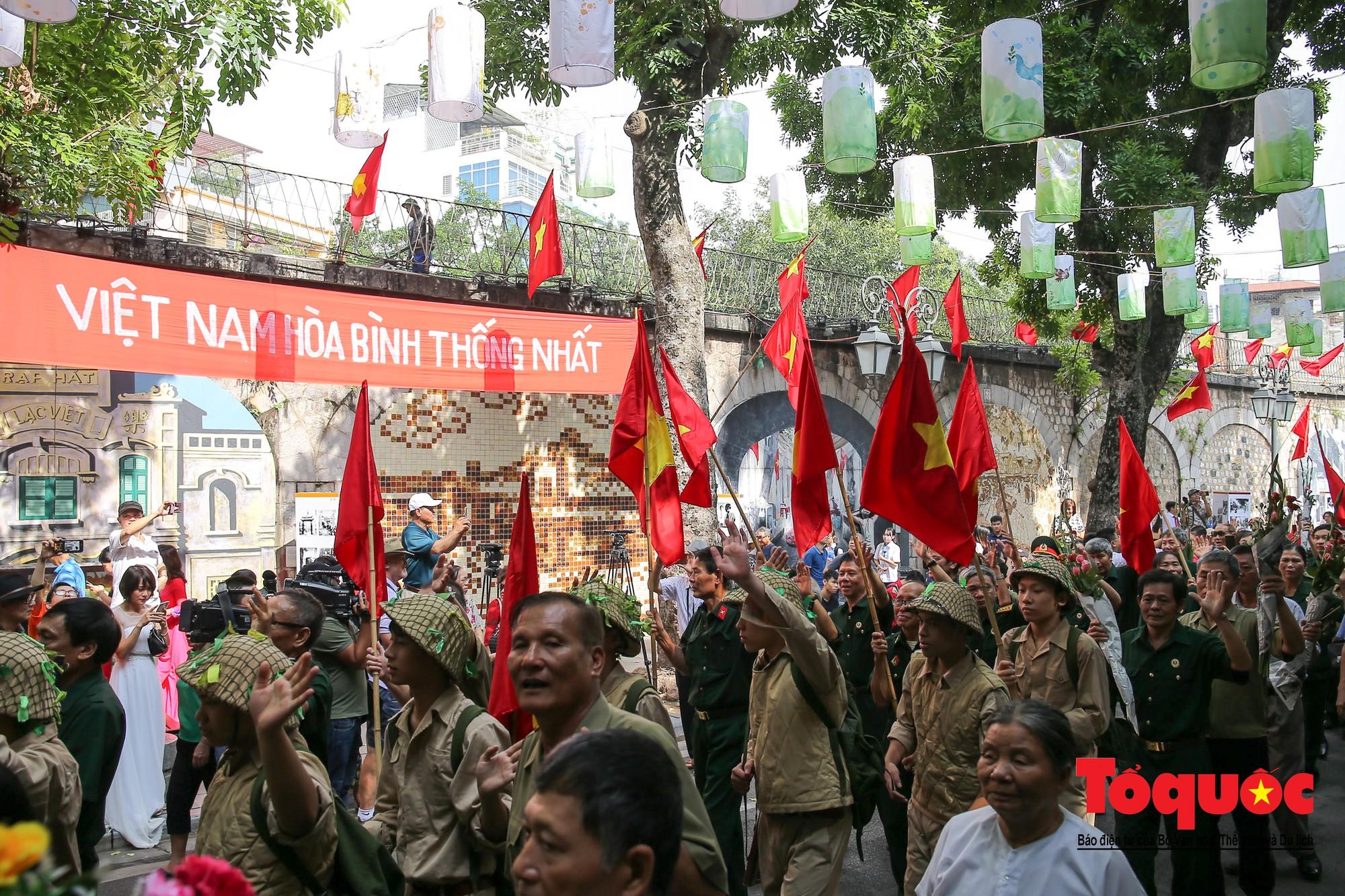 Tái hiện ký ức hào hùng đoàn quân chiến thắng trở về tiếp quản thủ đô Hà Nội 65 năm trước 5