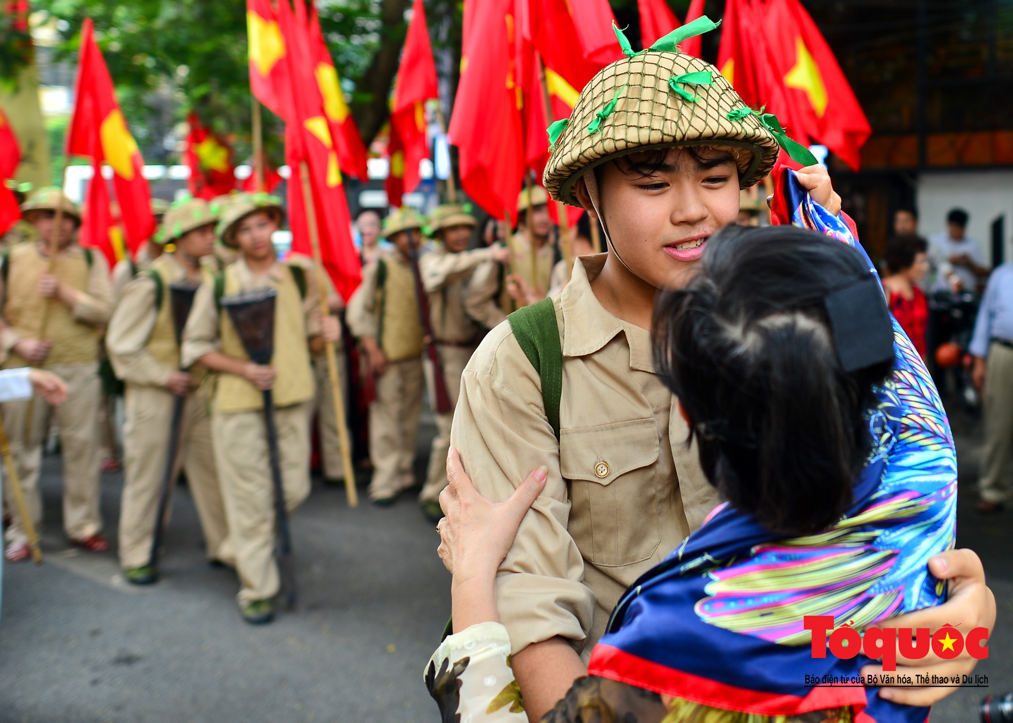 Tái hiện ký ức hào hùng đoàn quân chiến thắng trở về tiếp quản thủ đô Hà Nội 65 năm trước 9