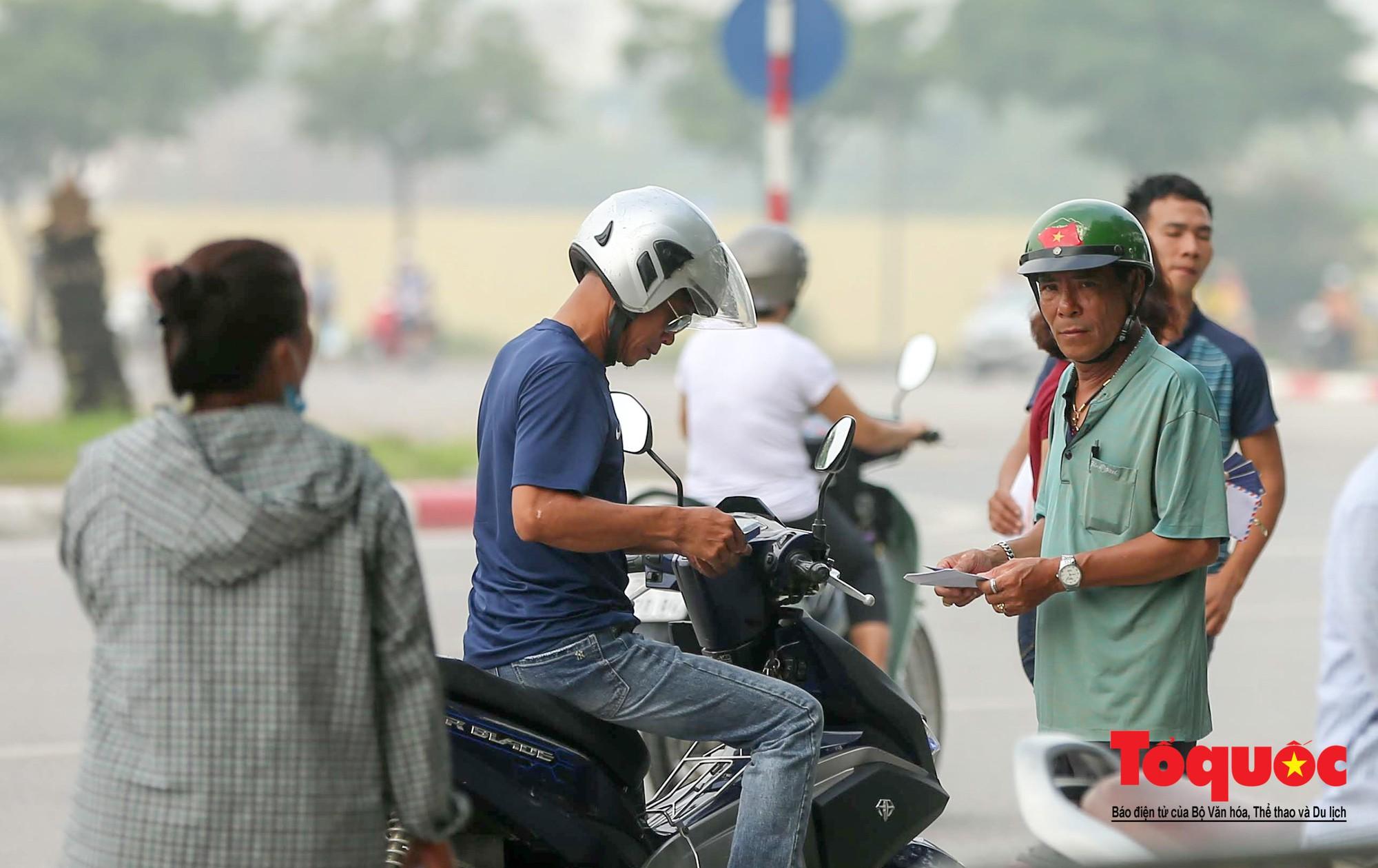 Vé trận Việt Nam - Malaysia: Giá vé chợ đen tung tăng nhảy múa2