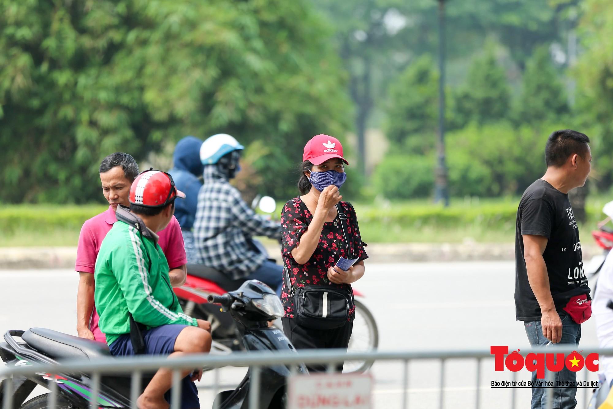 Vé trận Việt Nam - Malaysia: Giá vé chợ đen tung tăng nhảy múa8