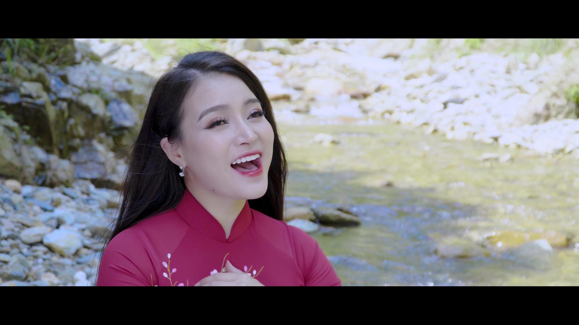 Cảnh trong MV Tình em (4)