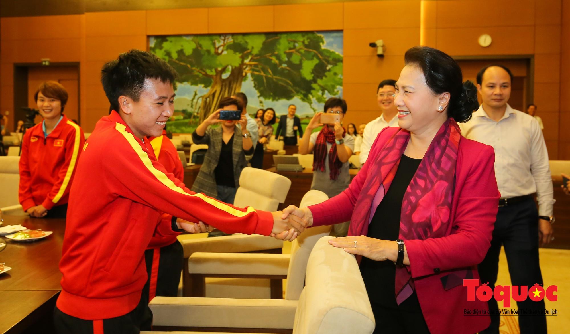 Chủ tịch Quốc hội Nguyễn Thị Kim Ngân: Bóng đá nam nhìn thành tích bóng đá nữ còn phải mơ ước dài3
