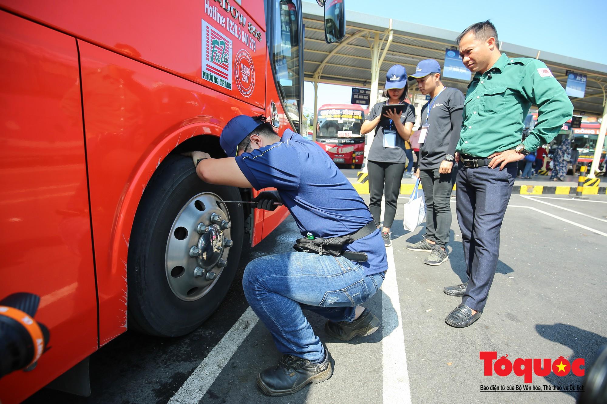 Ngày hội chăm sóc bác tài 2019 Trao yêu thương vì những chuyến xe an toàn (9)