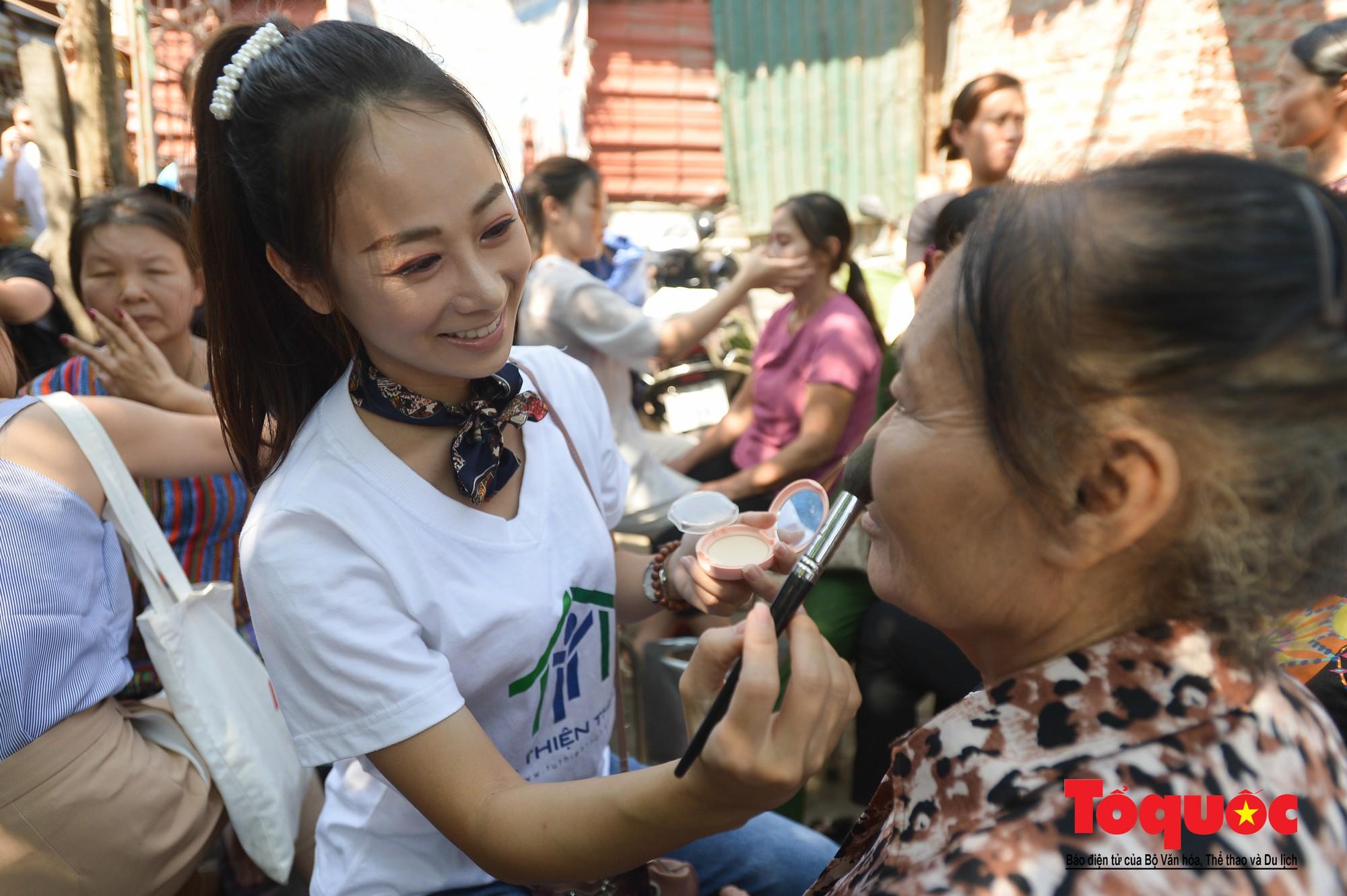 Ngày đẹp nhất của những người phụ nữ nghèo xóm ve chai (5)