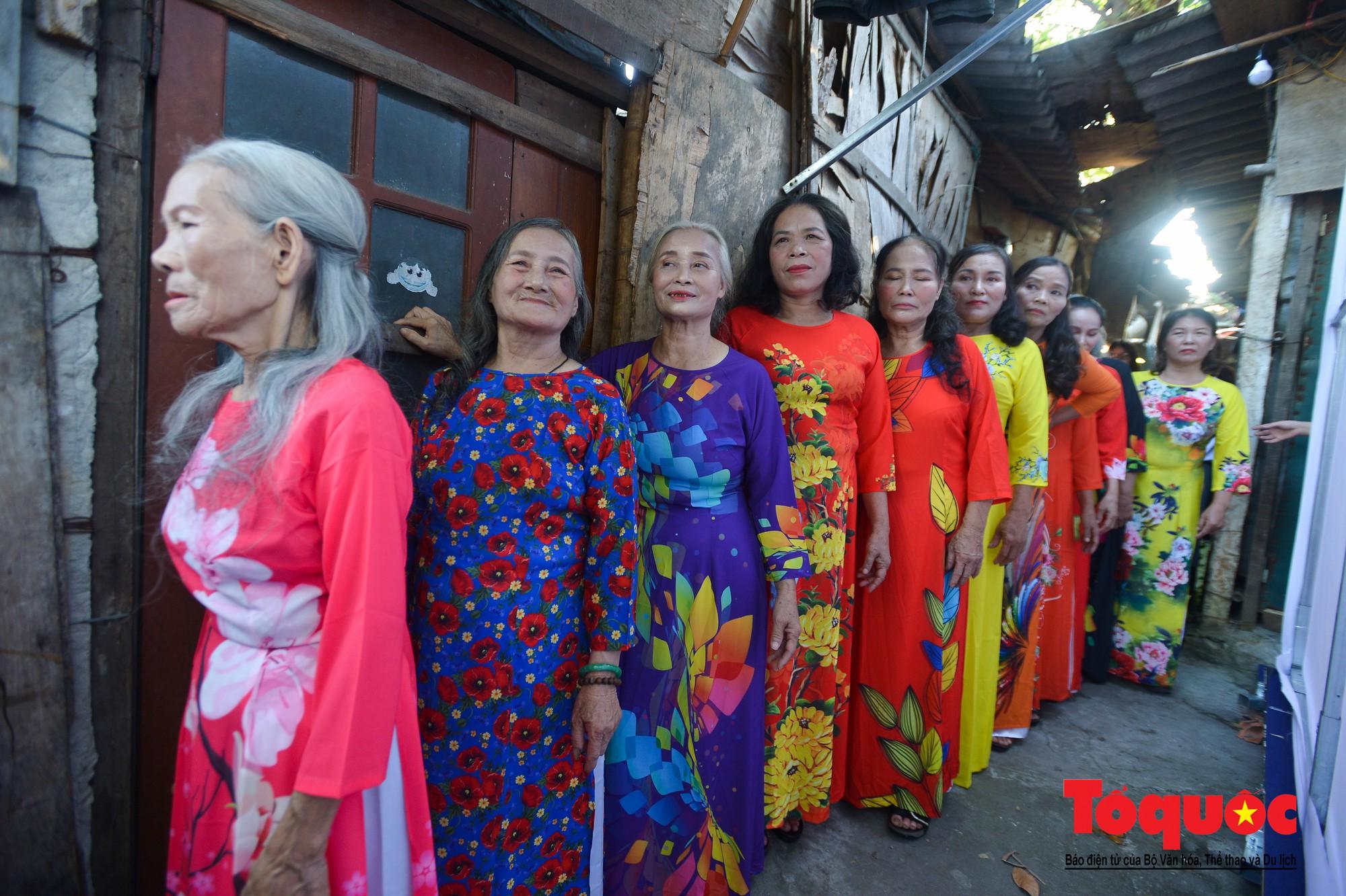 Ngày đẹp nhất của những người phụ nữ nghèo xóm ve chai (9)
