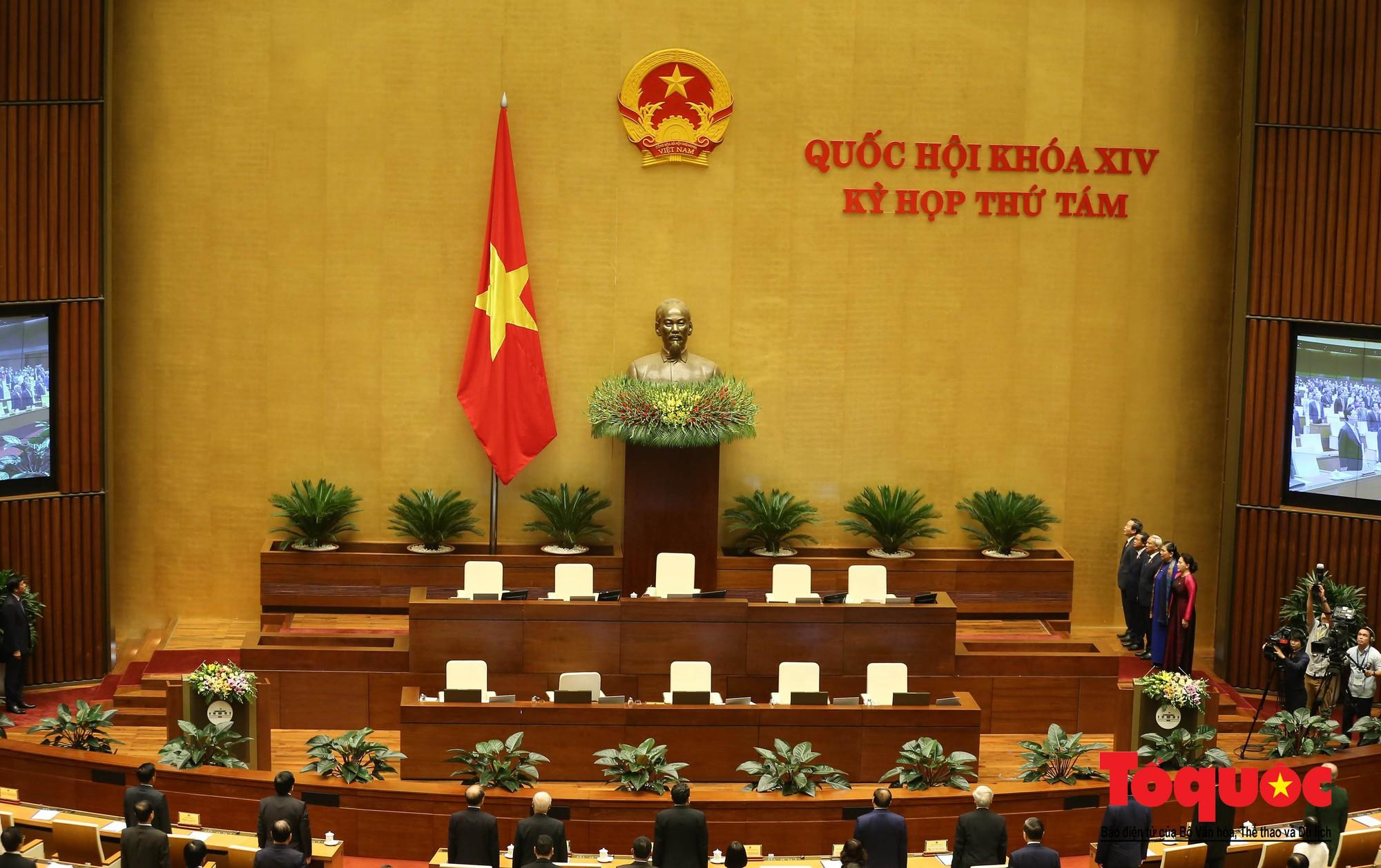 ĐBQH bên hành lang ngày khai mạc kỳ họp thứ 8, Quốc hội khóa XIV (11)