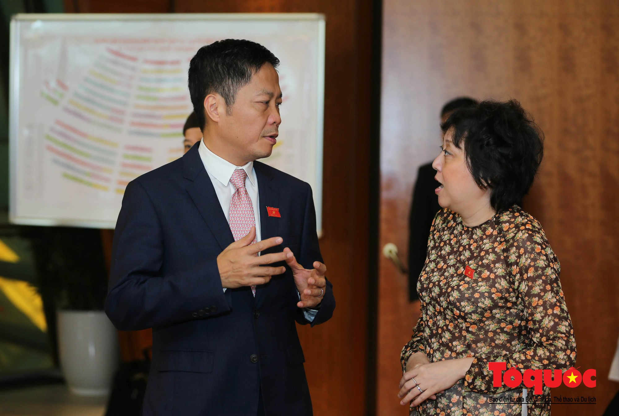 ĐBQH bên hành lang ngày khai mạc kỳ họp thứ 8, Quốc hội khóa XIV (8)