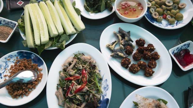 """Bất ngờ món đặc sản nguy hiểm tại Hà Nội đang """"nổi như cồn"""" trên CNN - Ảnh 3."""