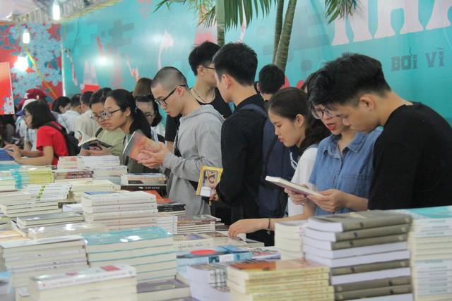 Ngày Sách Việt Nam đã góp phần phát triển phong trào đọc sách trong mọi tầng lớp nhân dân - Ảnh 1.