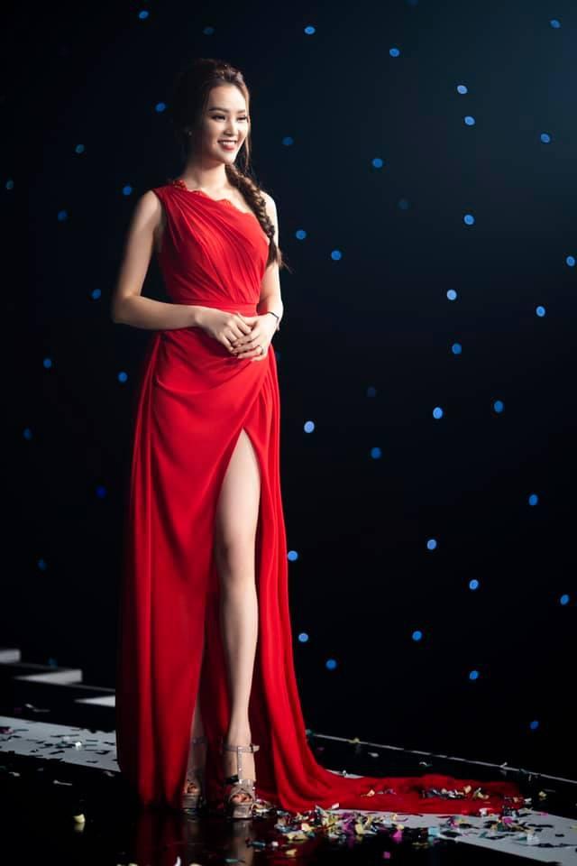 Á hậu Thụy Vân tiết lộ lý do không được phép mặc đồ hở trên VTV - Ảnh 10.