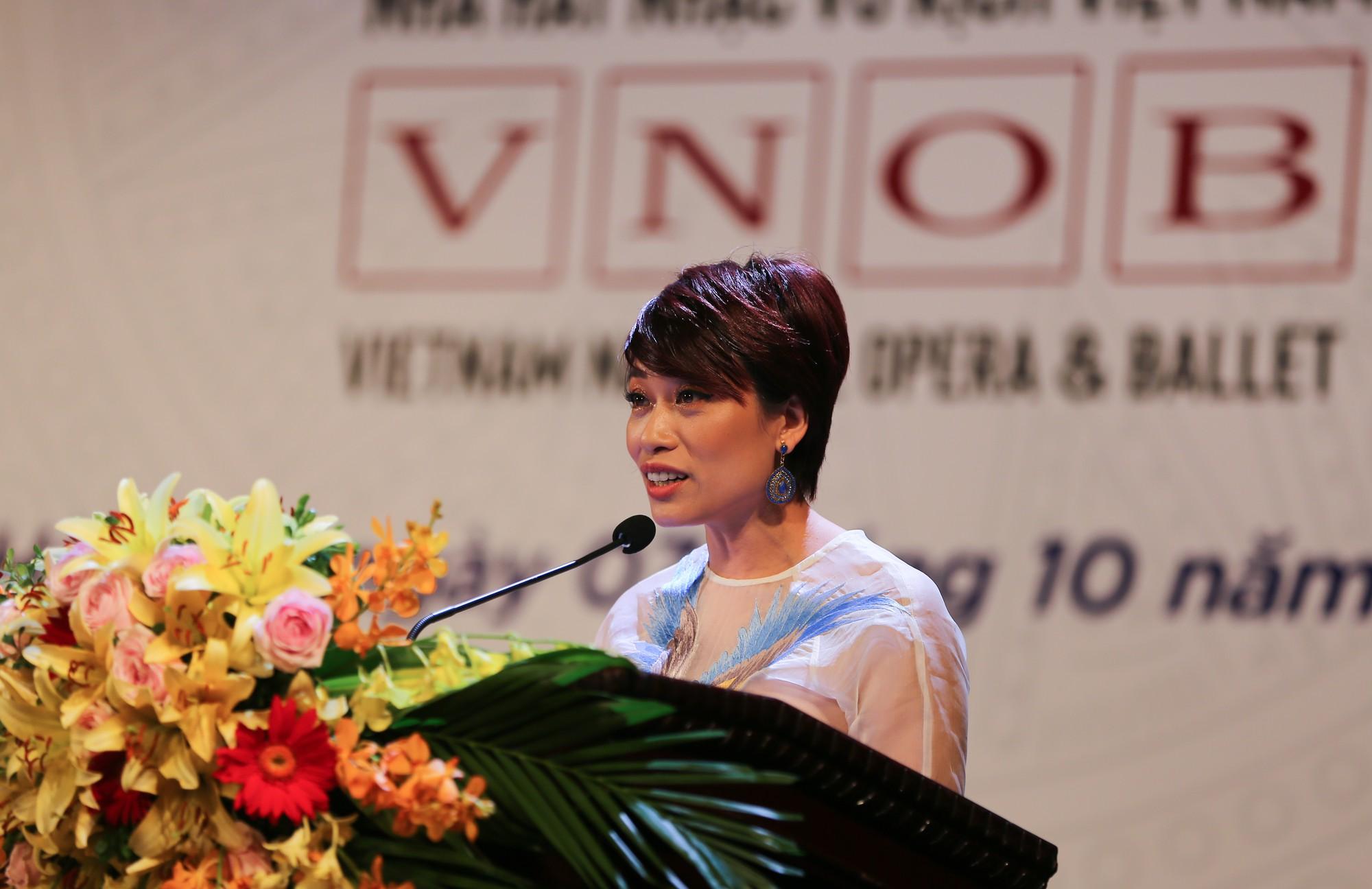 Nhà hát Nhạc Vũ Kịch Việt Nam đã tổ chức Lễ kỷ niệm 60 năm thành lập và đón nhận Huân chương Lao động hạng Nhì