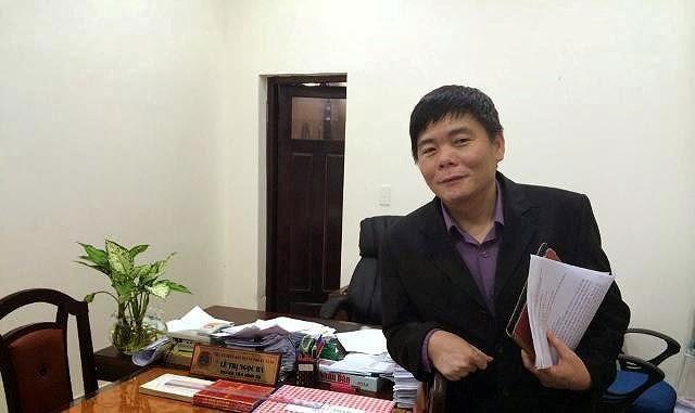 Vợ chồng luật sư Trần Vũ Hải bị tòa án thành phố Nha Trang đưa ra xét xử với cáo buộc trốn thuế - Ảnh 1.