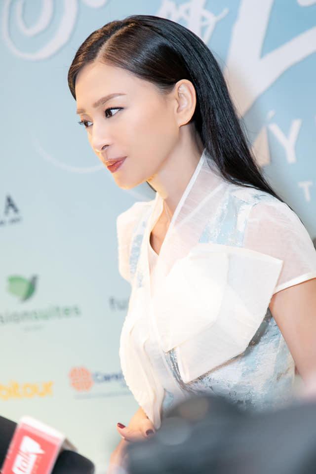 """Ngô Thanh Vân: """"Giải thưởng Bông sen vàng là niềm khích lệ, động viên to lớn với các nghệ sỹ"""" - Ảnh 1."""