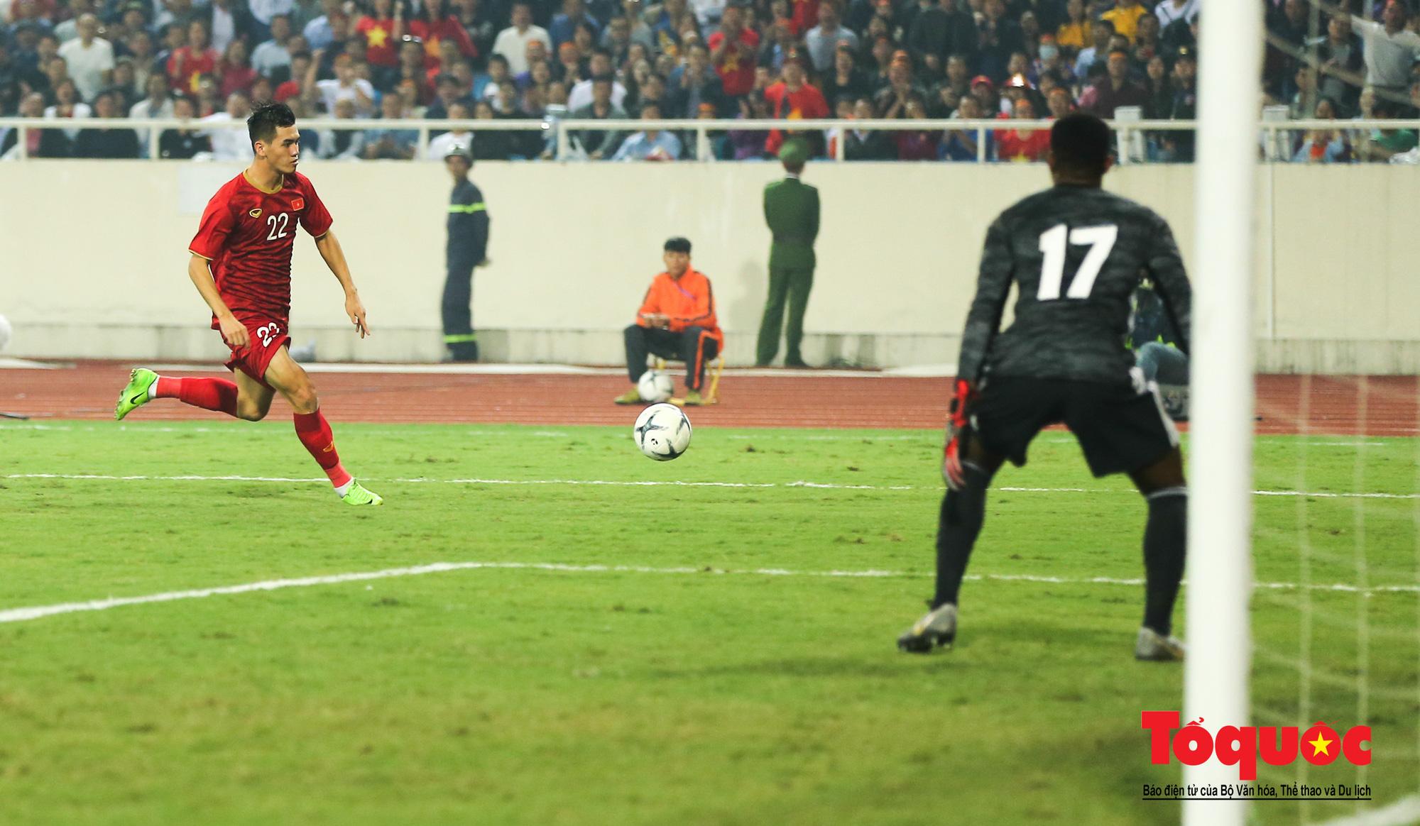 Đánh bại UAE, tuyển Việt Nam khẳng định vị thế số 1 bảng G - Ảnh 6.