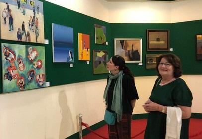 Giới thiệu 70 tác phẩm hội họa đương đại Hungary tại Cần Thơ - Ảnh 1.