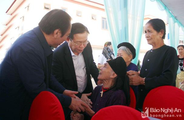 Phó Thủ tướng Vương Đình Huệ dự Ngày hội Đại đoàn kết cùng bà con nhân dân xóm Tân Lập 1,  Nghi Lộc (Nghệ An) - Ảnh 1.
