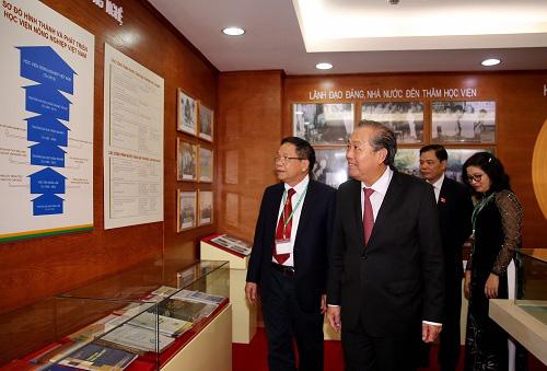 Phó Thủ tướng Trương Hòa Bình:  Phát triển nông thôn theo hướng một nền nông nghiệp thông minh, hội nhập quốc tế, thích ứng với biến đổi khí hậu - Ảnh 1.