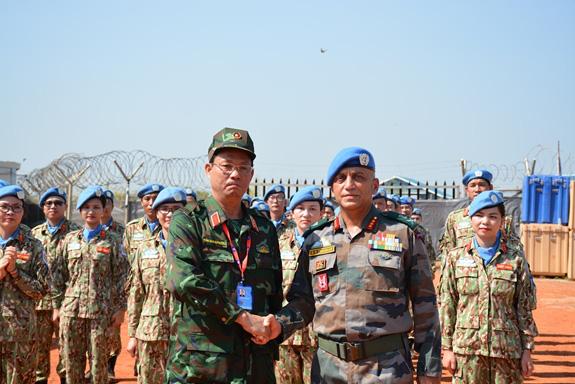"""Liên Hợp Quốc trao tặng Huy chương vì sự nghiệp Gìn giữ hòa bình cho các """"sứ giả"""" của Việt Nam - Ảnh 1."""