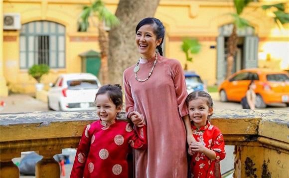 """Diva Hồng Nhung: """"Tìm đến ba bác sĩ để tư vấn việc nuôi dạy con"""" - Ảnh 1."""