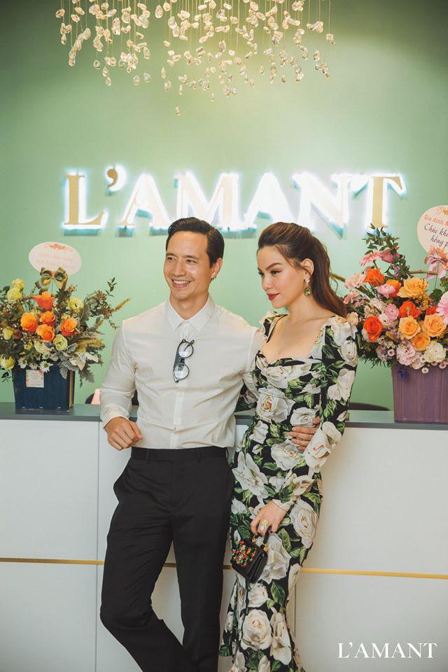 Hồ Ngọc Hà và Kim Lý bắt gặp đi thử áo cưới ở wedding L'amant - Ảnh 2.