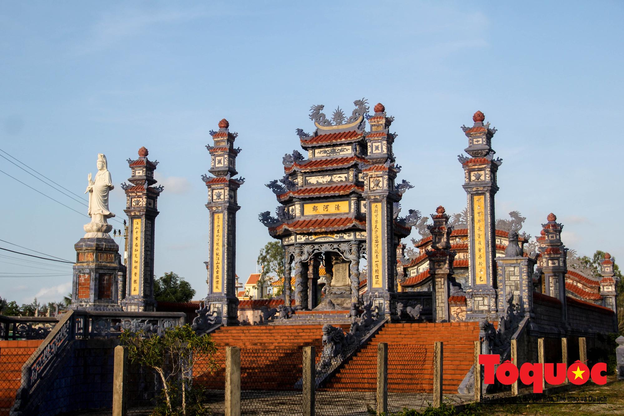 """Ngỡ ngàng với vẻ xa hoa, tráng lệ của """"thành phố lăng mộ"""" nghìn tỷ bậc nhất Việt Nam - Ảnh 5."""