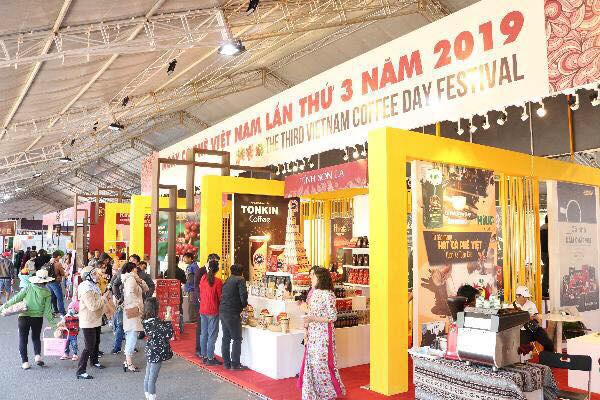 Đây là lần thứ ba UBND tỉnh Gia Lai phối hợp tổ chức lễ hội cà phê sau hai lần trước đó diễn ra tại Lâm Đồng và Đăk Nông đã mang lại nhiều thành công.