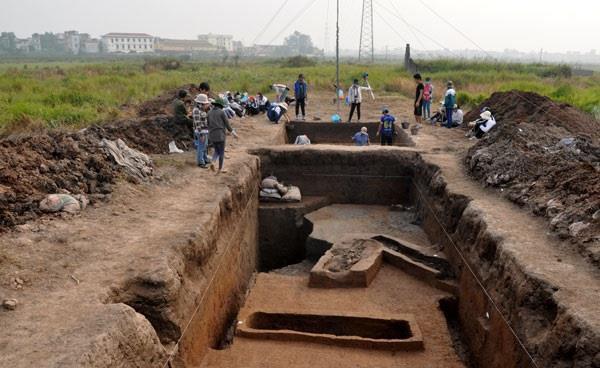 Hà Nội yêu cầu khảo sát, xác định ranh giới chính xác di chỉ khảo cổ Vườn Chuối để có phương án bảo tồn - Ảnh 1.