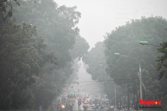Ô nhiễm không khí ở Hà Nội và TP HCM: Bộ Tài nguyên và Môi trường họp khẩn tìm nguyên nhân - Ảnh 1.