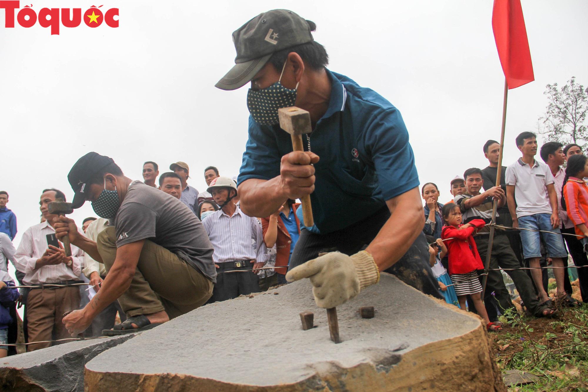 Độc đáo hội thi chẻ đá mồ côi ở Quảng Trị - Ảnh 6.