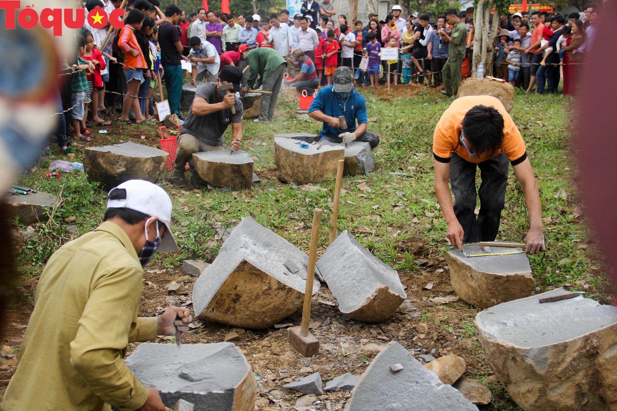 Độc đáo hội thi chẻ đá mồ côi ở Quảng Trị - Ảnh 12.