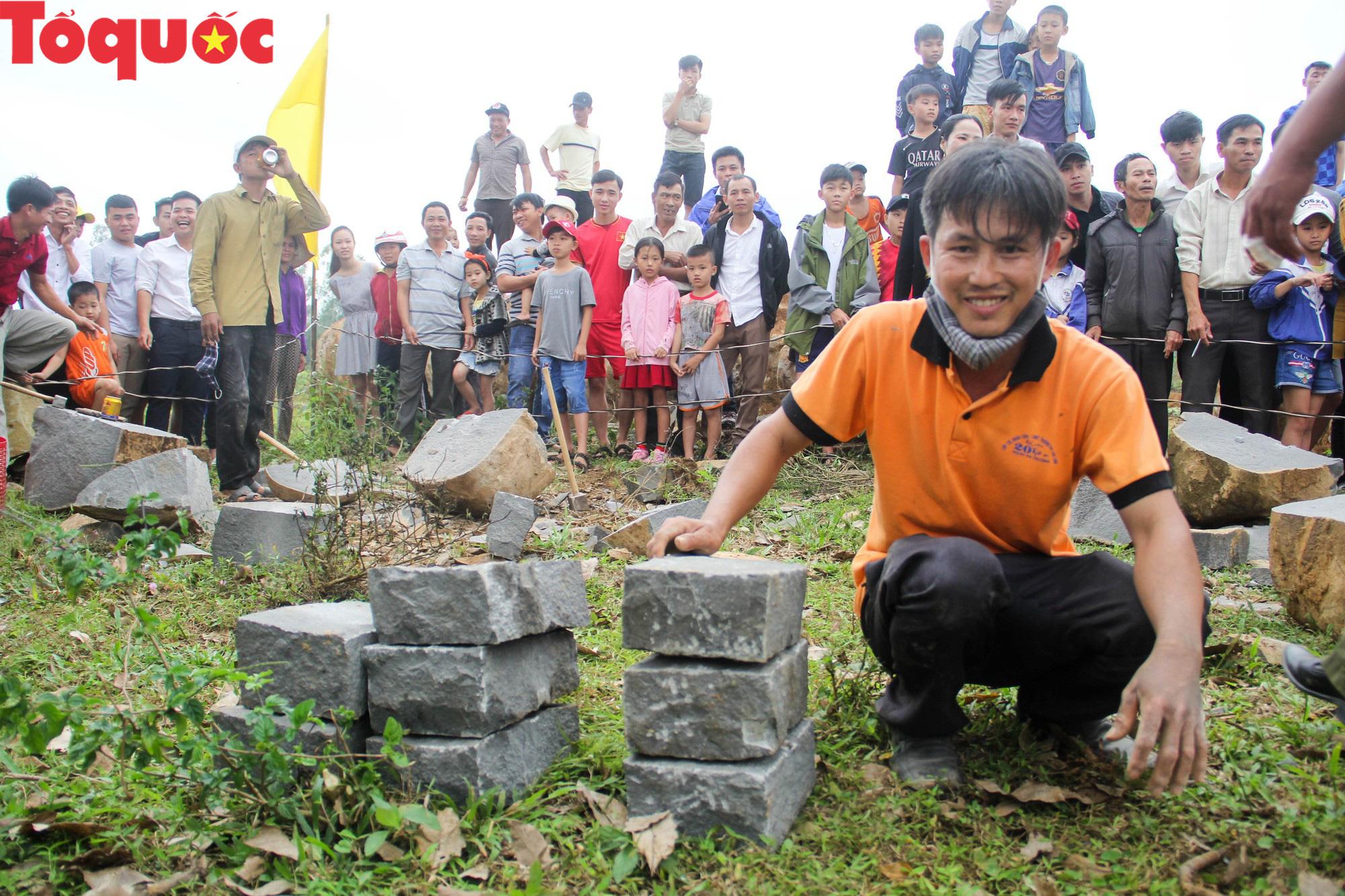 Độc đáo hội thi chẻ đá mồ côi ở Quảng Trị - Ảnh 17.