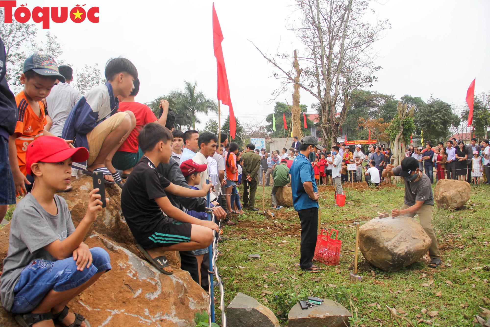 Độc đáo hội thi chẻ đá mồ côi ở Quảng Trị - Ảnh 15.