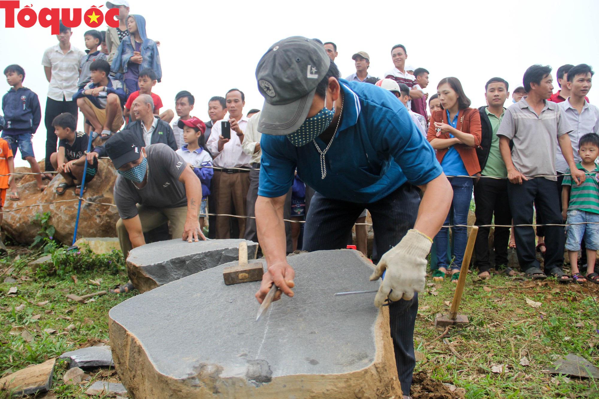 Độc đáo hội thi chẻ đá mồ côi ở Quảng Trị - Ảnh 10.