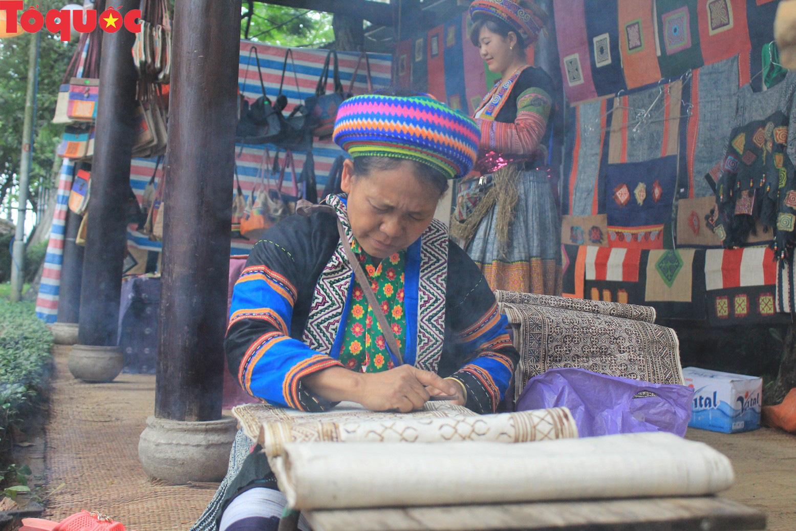 Festival nghề truyền thống Huế ngày càng thu hút các thành phố trên thế giới - Ảnh 1.