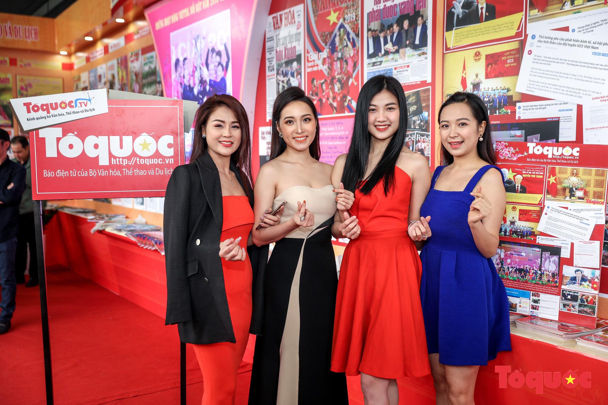 Ngắm nhìn Những cô gái trong thành phố nổi bật giữa Hội báo toàn quốc 2019 - Ảnh 2.