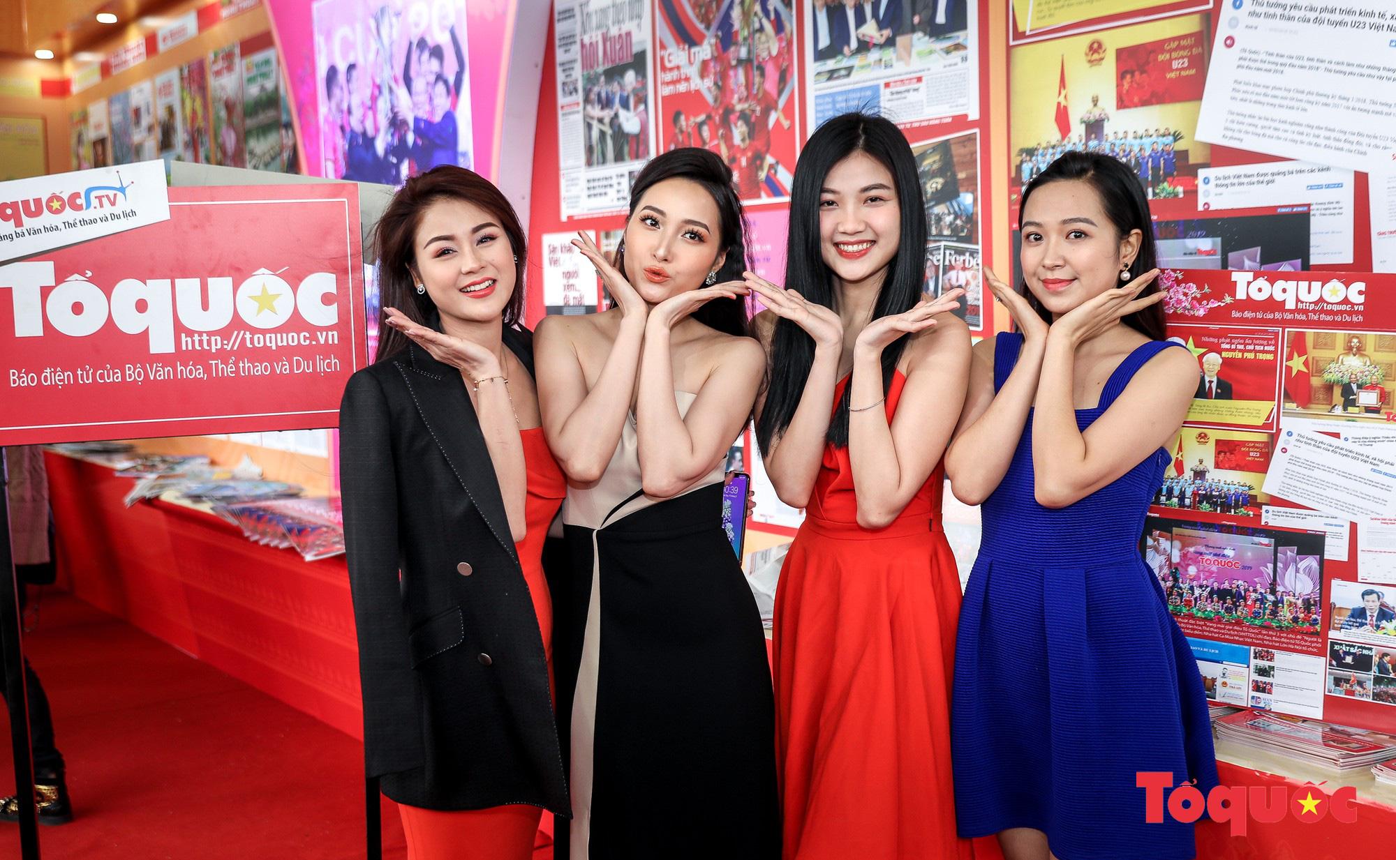 Ngắm nhìn Những cô gái trong thành phố nổi bật giữa Hội báo toàn quốc 2019 - Ảnh 3.