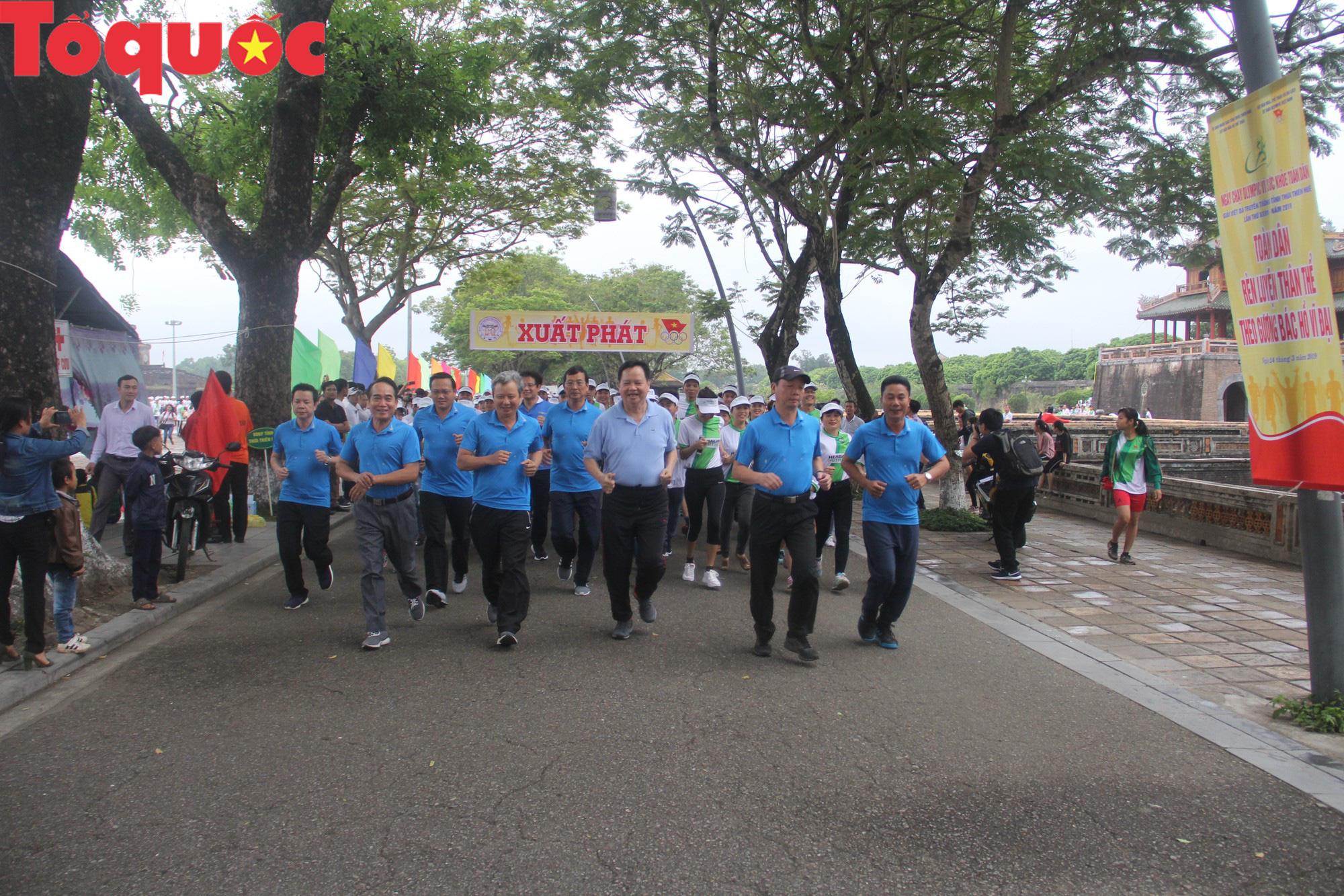 Hơn 1.000 người tham gia Ngày chạy Olympic vì sức khỏe toàn dân tại Thừa Thiên Huế - Ảnh 2.