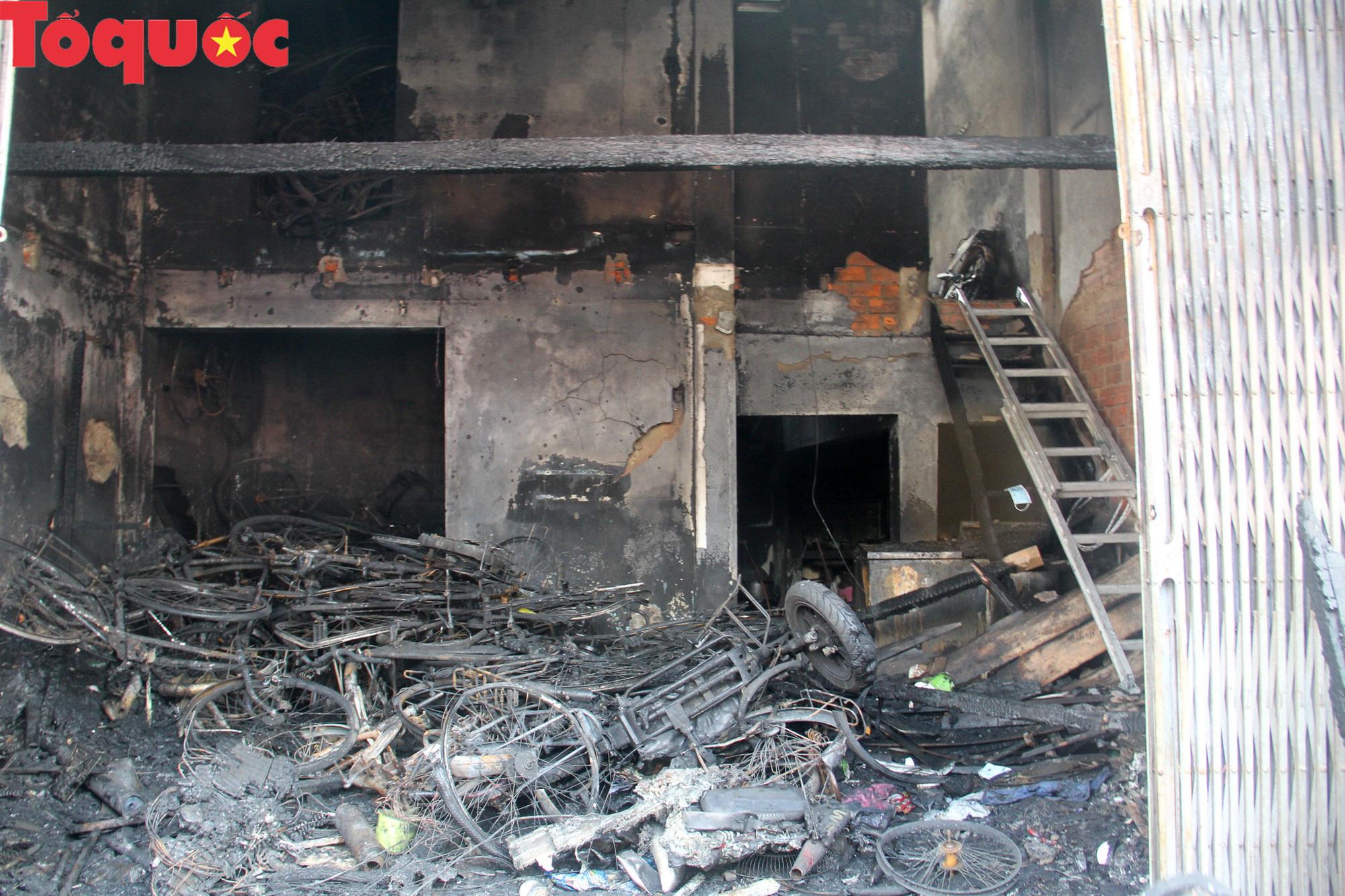 Hình ảnh hiện trường vụ hỏa hoạn khiến 3 người trong một gia đình tử vong thương tâm - Ảnh 5.