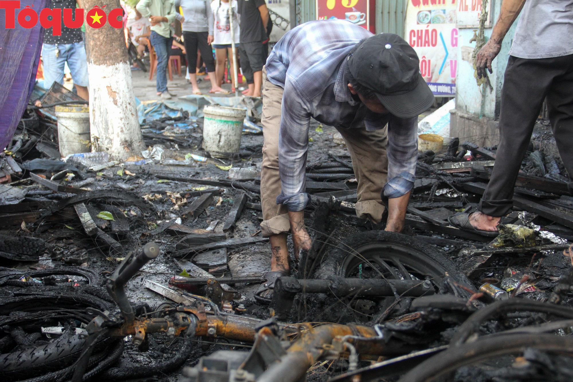 Hình ảnh hiện trường vụ hỏa hoạn khiến 3 người trong một gia đình tử vong thương tâm - Ảnh 10.