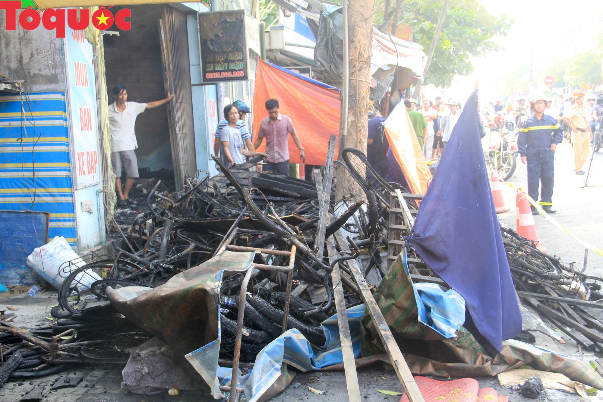 Hình ảnh hiện trường vụ hỏa hoạn khiến 3 người trong một gia đình tử vong thương tâm - Ảnh 7.
