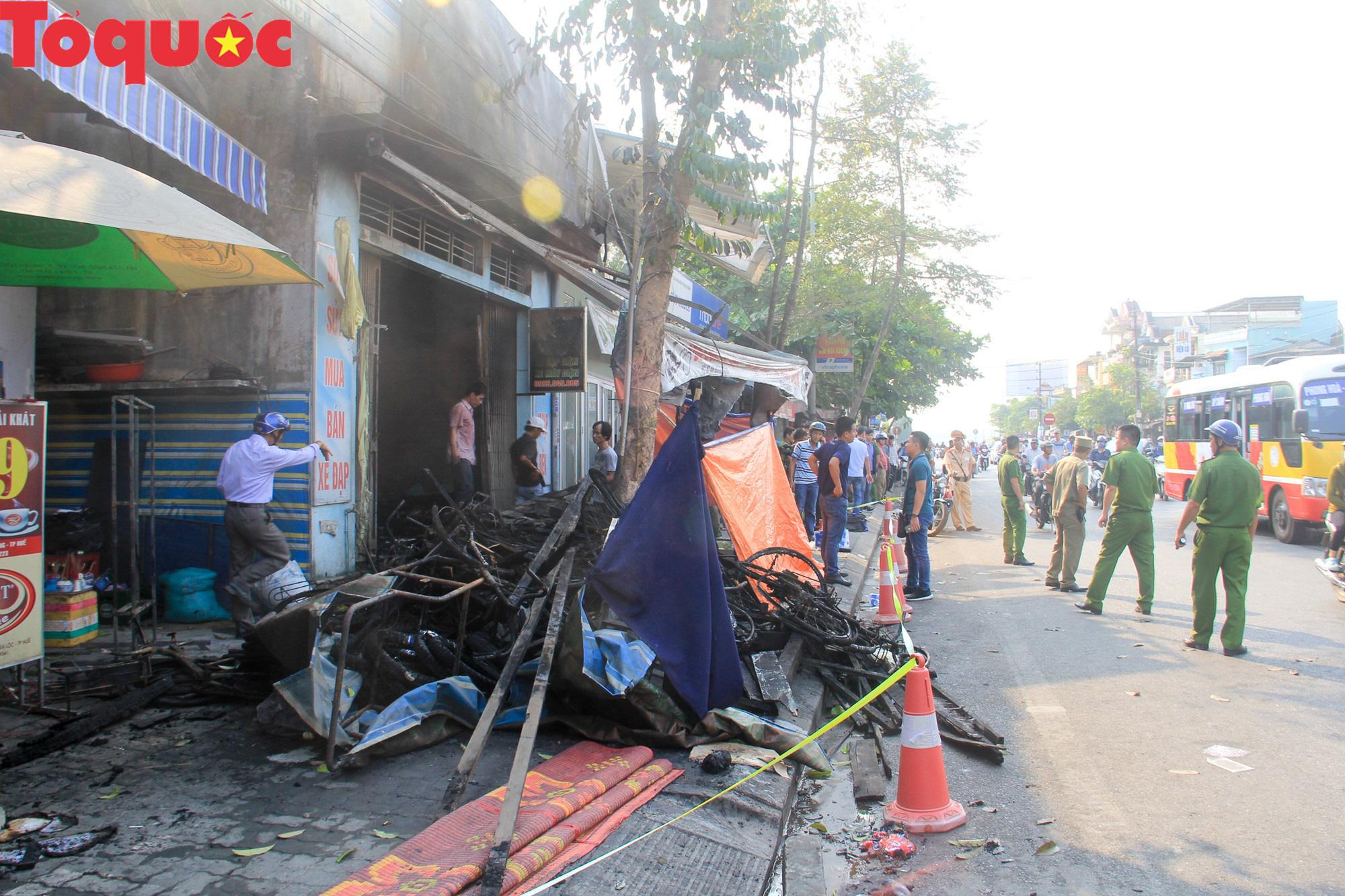 Hình ảnh hiện trường vụ hỏa hoạn khiến 3 người trong một gia đình tử vong thương tâm - Ảnh 1.