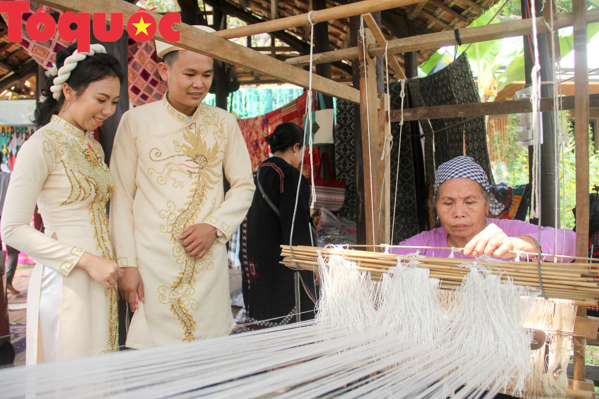 Tinh hoa làng nghề Việt hội tụ bên dòng sông Hương - Ảnh 7.