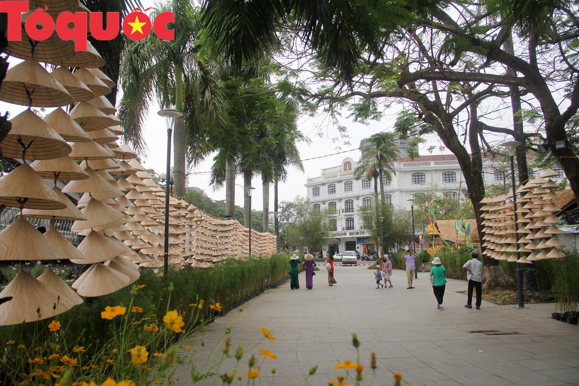 Tinh hoa làng nghề Việt hội tụ bên dòng sông Hương - Ảnh 2.
